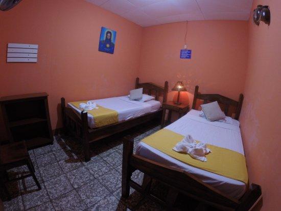 Hostal Guardabarranco: Room No.8