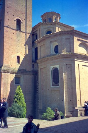 Asciano, Italy: Abbazia di Monte Oliveto Maggiore