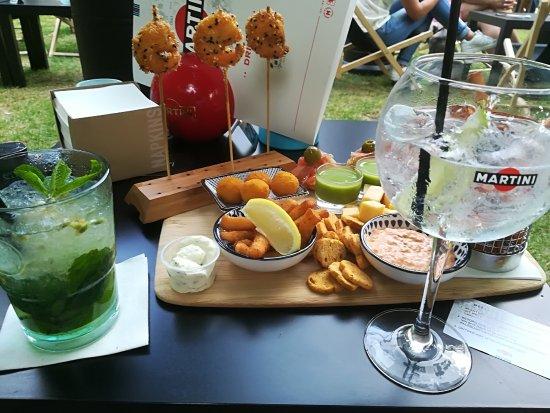 Beernem, Belgium: Tapas plank van de chef & heerlijke cocktails