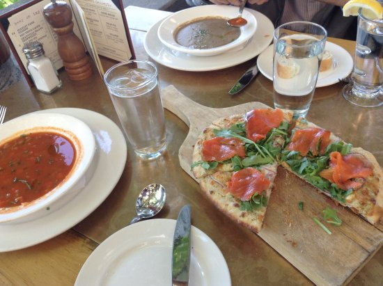 Seasons in the Park: Delicious soups and West Coast Pizza with salmon - perfection!
