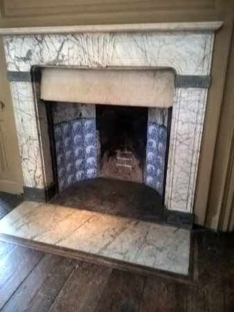 Rainham, UK: Fireplace