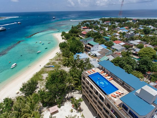 Thulusdhoo Island: Aerial view of Season Paradise Hotel