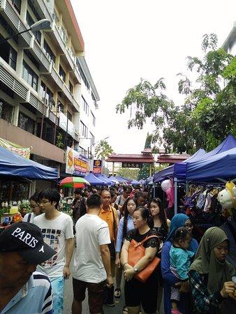 Gaya Street Sunday Market: Sunday Market