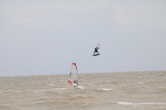 Frinton-on-Sea, UK : Water sports including kite surfing
