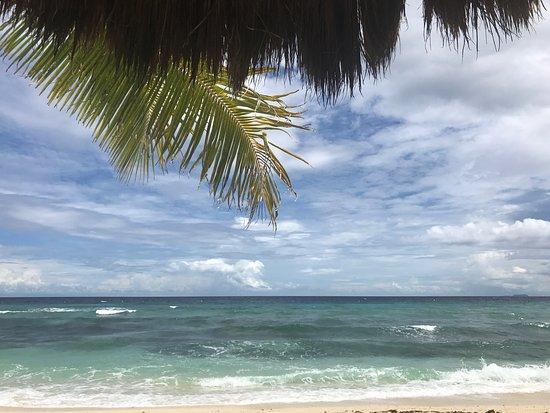 Coco Grove Beach Resort: photo2.jpg