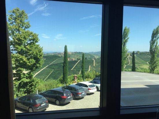 "Serralunga d'Alba, Italië: Chambre de Luxe avec ""vue"""