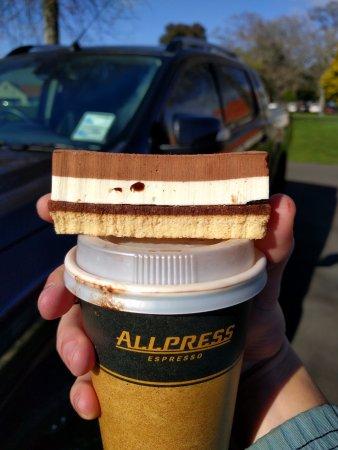 Cambridge, Nueva Zelanda: Hot chocolate and Chocolate croquant