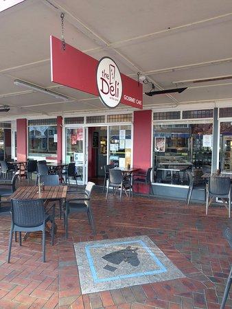 Cambridge, New Zealand: Street Entrance