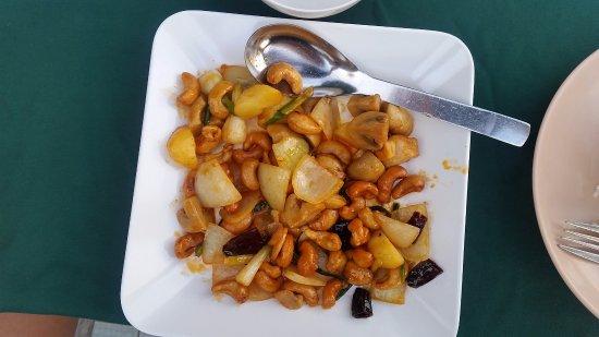 Sai Thong Restaurant: Chix and cashews