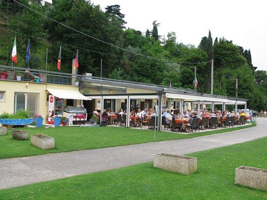 Ristorante Pizzeria Lido Sopri: i am standing at the edge of the lake