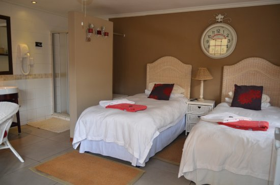Edenvale, South Africa: Twin Room - English Room