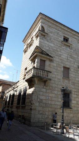 Palacio del Conde de Alba de Yeltes