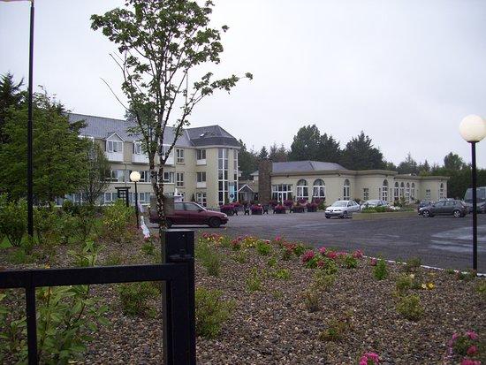 The Earl of Desmond Hotel: Vorderseite