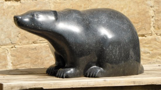 Nunnington, UK: Small badger statue