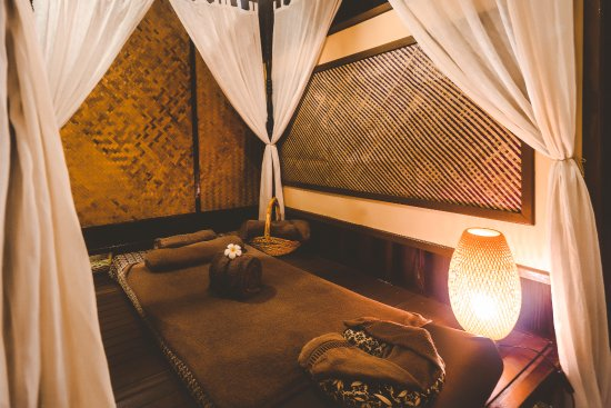 Pasir Gudang, Malezya: Traditional massage bed