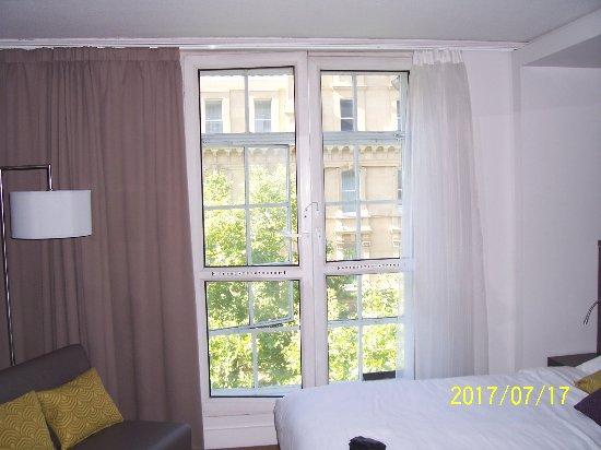 Citadines Trafalgar Square London: Detalle de la ventana de la habitación
