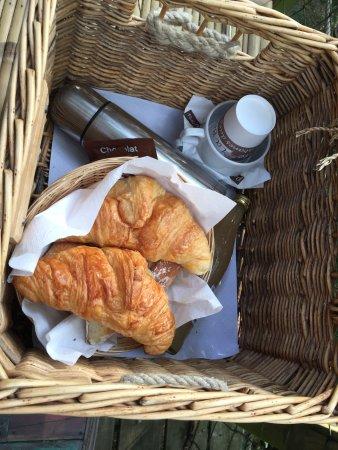 Magne, Francia: Petit déjeuner