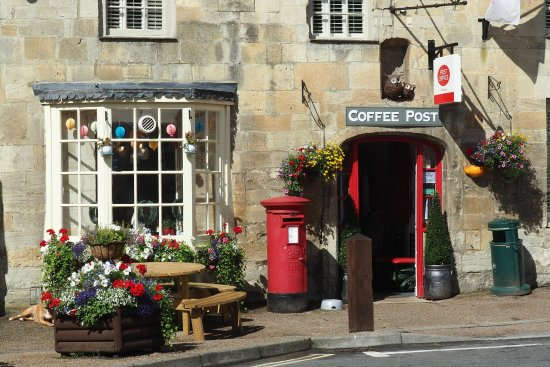 Fairford, UK: Comprehensive postal facilities as well as good coffee.