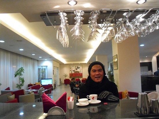 Europe Hotel: Bar
