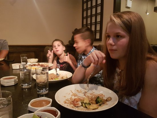 Maple Shade, Nueva Jersey: Such a good time. Kids loved their first Hibachi experience