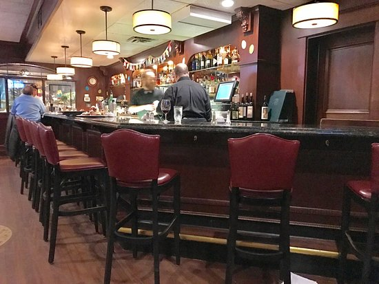 Lake Elmo Inn: The Bar -