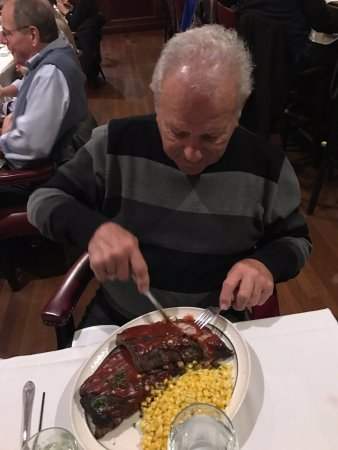 Lake Elmo Inn: Very tasty ribs -