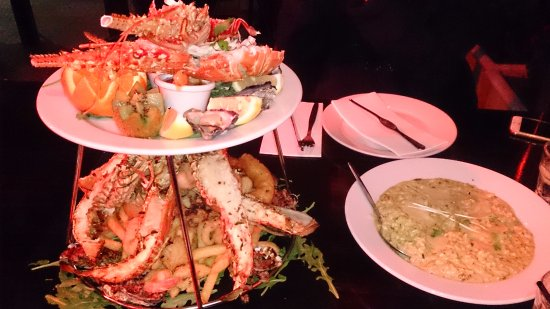 The Entrance, Australië: The seafood platter and the pumpkin and chicken risotto.