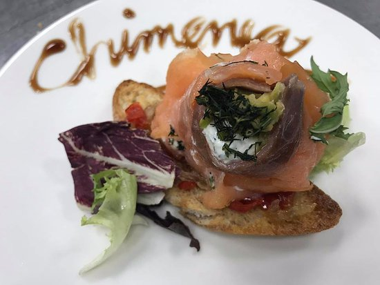 Molina de Segura, España: Flor de salmon, unas de nuestras tapas diarias