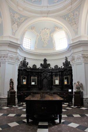 Haro, Hiszpania: Hinter dem Altar