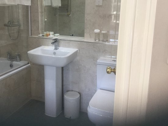 Burnham, UK: Bathroom