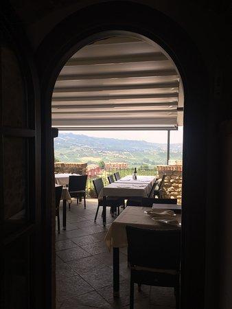 Castiglione Falletto, Italië: photo3.jpg