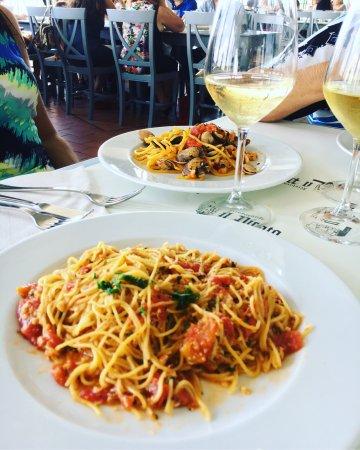 Marta, إيطاليا: Ottimo pranzo e panorama stupendo 😍