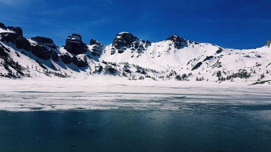 Le lac d'Allos, juin 2017. Office de tourisme du Val d'Allos CB