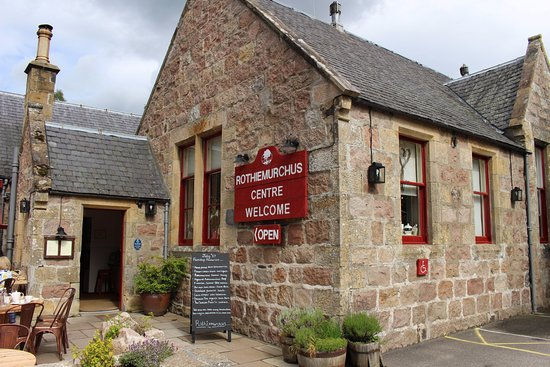 Aviemore, UK: The welcome center with a great little cafe