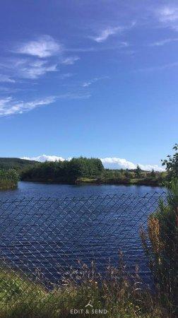 Dalbeattie, UK: Walk up through campsite passing fishing ponds