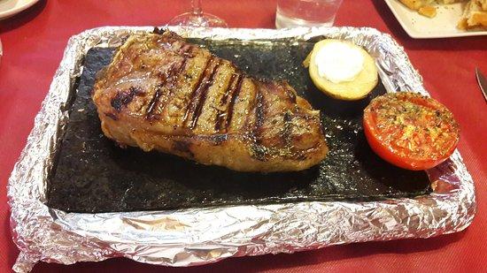 Castellfollit del Boix, España: Bistecca alla brace
