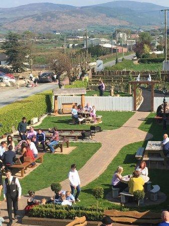 Newry, UK: beer garden