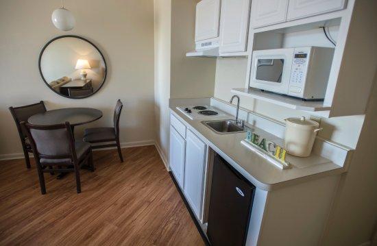 Engleside Inn: Suite 228 Kitchenette