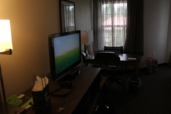 La Quinta Inn & Suites Flagstaff: Other side of the room