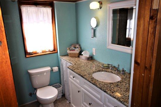 Cascade, Колорадо: Cottage Bathroom