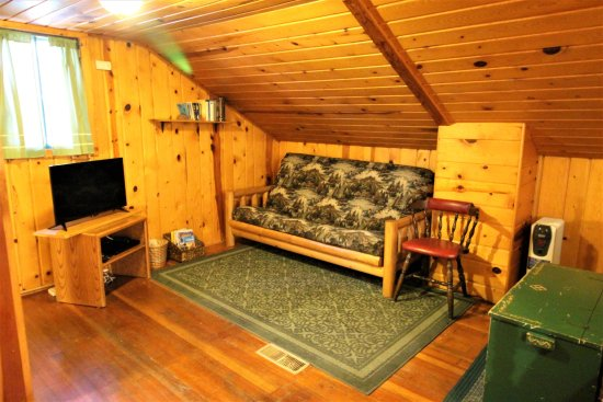 Cascade, CO: Cottage Upstairs Bedroom/Sitting room