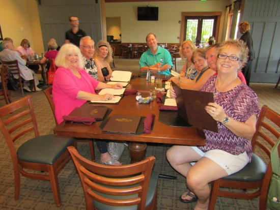 Stone Creek Golf Club: Good friends out for dinner together (10 of us)