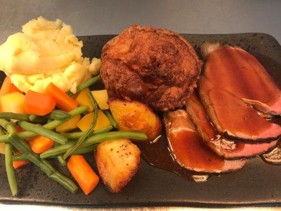 Llangedwyn, UK: Sunday Lunch