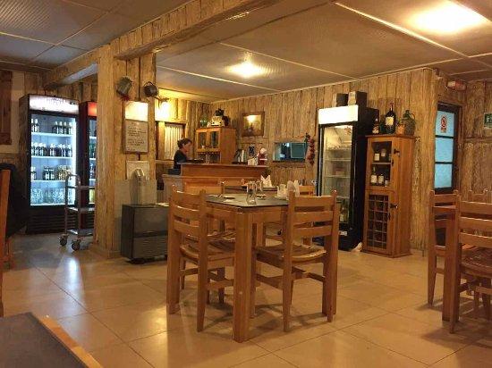 Porvenir, شيلي: L'interno del ristorante Espana