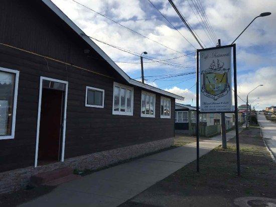 Porvenir, شيلي: L'esterno del ristorante