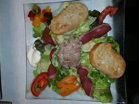 Ax-les-Thermes, Prancis: Un régal,des galettes,des salades,des crêpes,des glaces,que du bonheur...