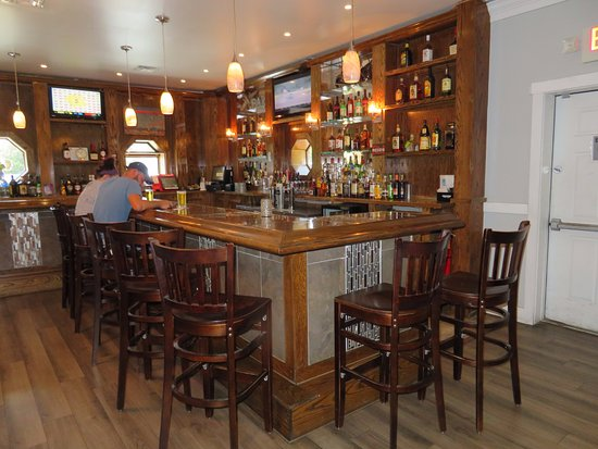Boomerangs Original Ribs: The Sit Down Bar