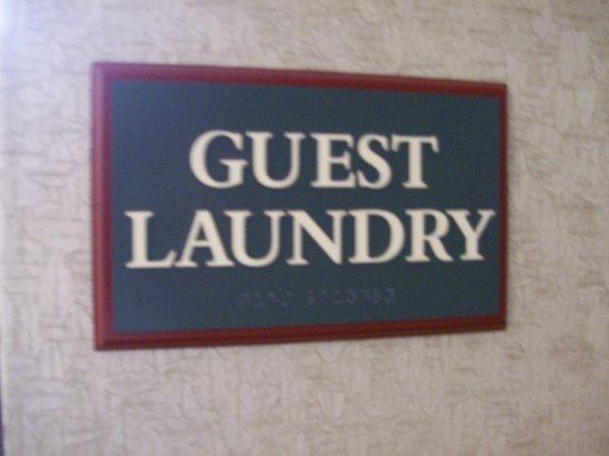 Holyoke, MA: Guest Laundry Room Signage.