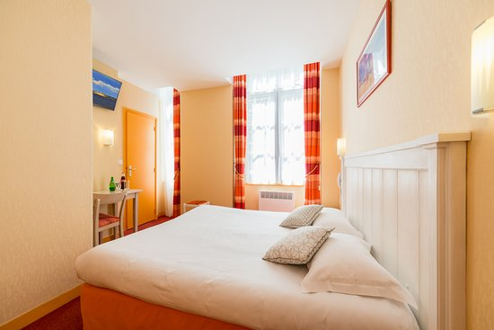 Hotel le nautilus 2017 prices reviews photos saint malo france t - Dimension lit queen size ...
