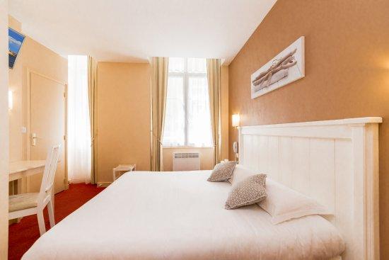 Hôtel Le Nautilus: Chambre lit queen size 2